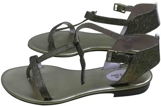 Sarah Jessica Parker Gold Patent leather Sandals