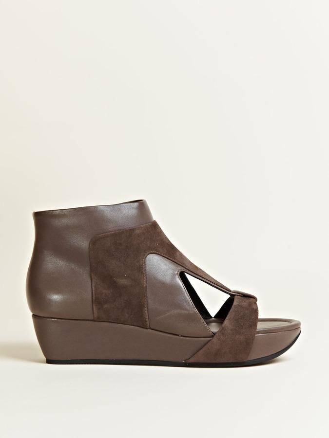 Camilla Skovgaard Womens Flat-Eye Cut Sandal Boots