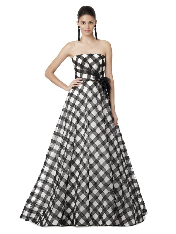 Oscar de la Renta Strapless Gingham Embroidered Gown
