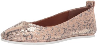 Gentle Souls by Kenneth Cole Women's Dana Slip On Ballet Flat Shoe