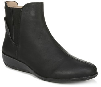 LifeStride Izzy Wedge Bootie