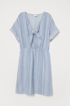 H&M V-neck tie-front dress