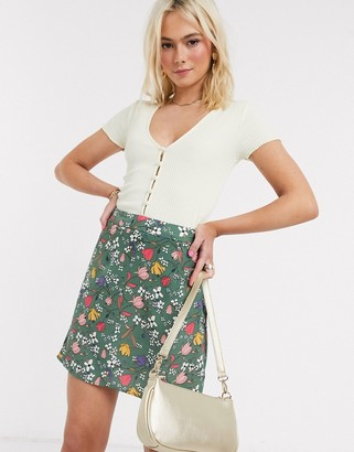 Glamorous mini skirt in sage floral