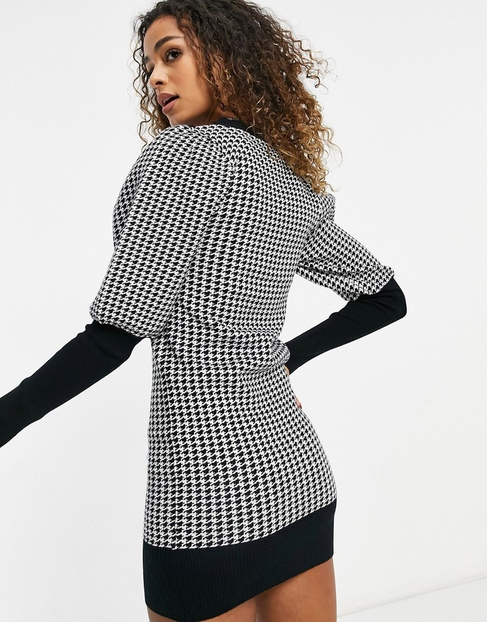 Thumbnail for your product : Qed London sweater dress in houndstooth