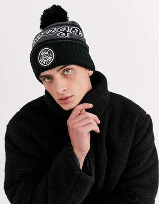 Mitchell & Ness Chicago Bulls Reflective Patch bobble beanie in black