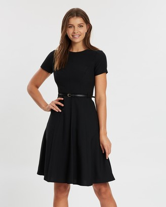Dorothy Perkins Fit-And-Flare Short Sleeve Dress