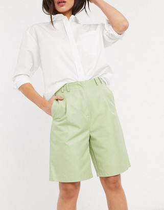 GHOSPELL relaxed dad shorts in green co