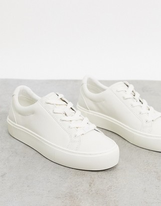 UGG Zilo leather sneakers in white