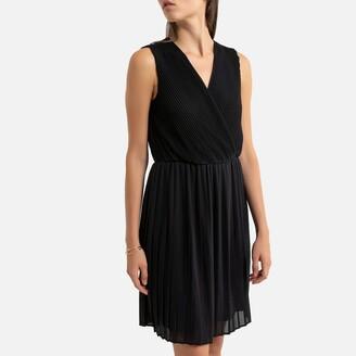 Vero Moda Sleeveless Pleated Mini Dress