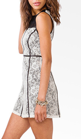 Forever 21 Contrast Paneled Lace Shift Dress