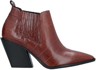 ELVIO ZANON Ankle boots