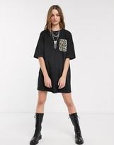 Asos Design DESIGN t-shirt dress with leopard print pocket in black