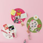 Perfect Circle Magnet Board & Floral Magnets