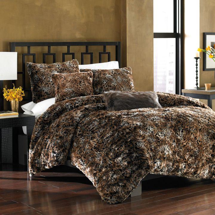 Bed Bath & Beyond Savannah Cat Faux-Fur Duvet Cover Set