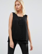 B.young Lace Hem Sleevless Top
