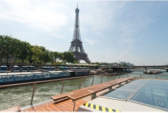 Virgin Experience Days Day Trip to Paris by Eurostar and Three Course Lunch Cruise On-board Bateaux Parisien for Two Departing from London St Pancras