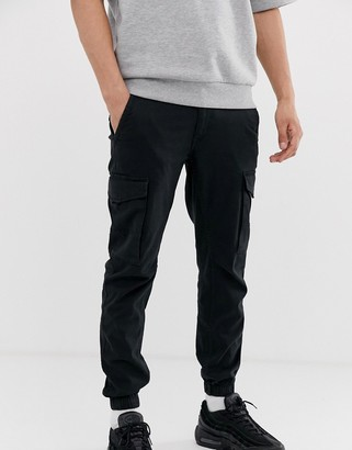 Jack and Jones Intelligence cuffed cargo pants in black