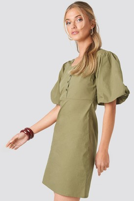NA-KD Short Puff Sleeve Button Up Dress Green
