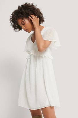 NA-KD Dobby Short Sleeve Flounce Dress