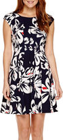 Robbie Bee Short-Sleeve Floral Fit-and-Flare Dress - Petite