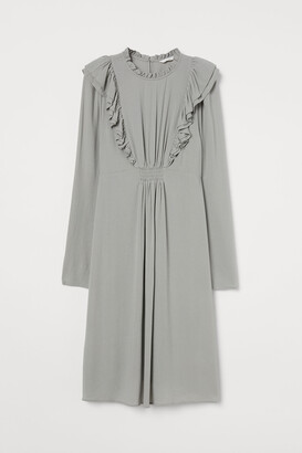 H&M MAMA Ruffled Viscose Dress
