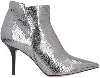 TIPE E TACCHI Ankle boots