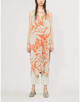 Pleats Please Issey Miyake Graphic-pattern scoop-neck sleeveless pleated dress