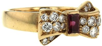 Van Cleef & Arpels 1980s Pre-Owned Yellow Gold Bow Ruby And Diamond Ring