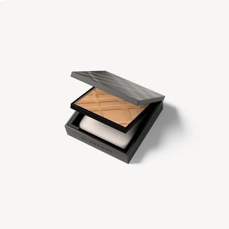 Burberry Matte Glow Compact Foundation - 70 Medium Cool