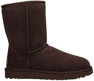 UGG Classic Short I Low Heels Ankle Boots In Leather Color Suede