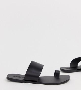 Asos Design DESIGN Wide Fit Faro leather toe loop flat sandals-Black