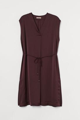 H&M H&M+ V-neck Satin Dress