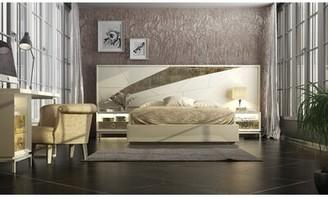 Everly Jerri King Platform Bed Quinn Color: Beige