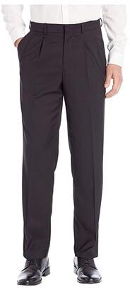 Dockers Pleated Stretch Dress Pant w/ Stretch Waistband (Black) Men's Dress Pants