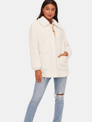 Lush Flat Collar Dallon Sleeve Patch Pocket Front Fur Coat