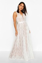 Thumbnail for your product : boohoo Boutique Lace Plunge Maxi Bridesmaid Dress