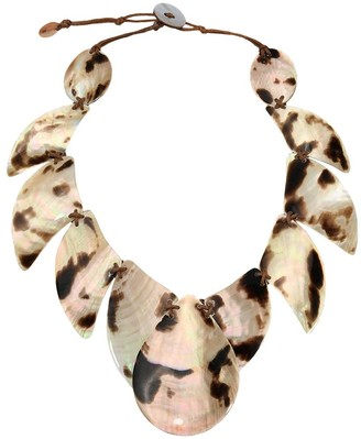 Aeravida Handmade Tribal Island Inspired Chunky Brown lip Shell Statement Necklace