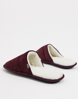 totes faux fur lined mule slippers in burgundy