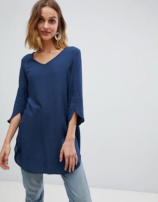 Vero Moda tunic with sleeve detail-Black