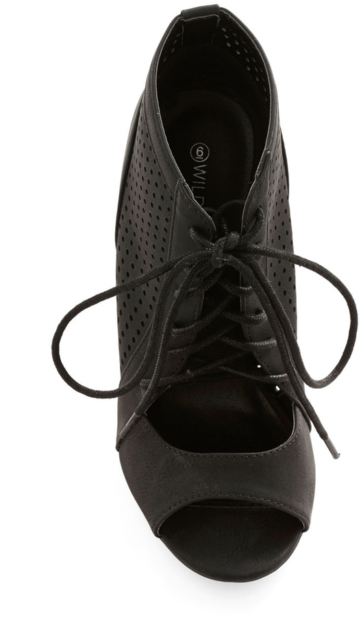 Perforate and See Wedge in Black