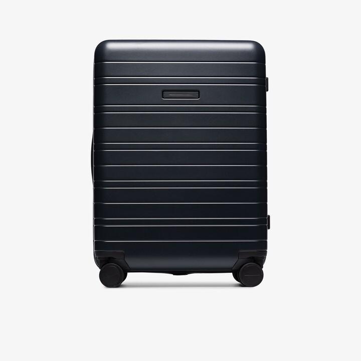 Horizn Studios black H6 check-in suitcase