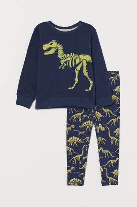 H&M Sweatshirt and Leggings
