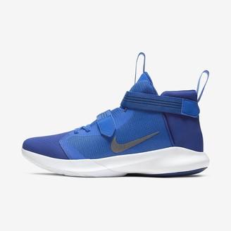 Nike Basketball Shoe Precision III FlyEase (4E)
