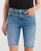 7 For All Mankind High Waist Straight Bermuda Short with Destroy in Desert Oasis