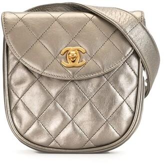 Chanel Pre Owned 1997 CC metallic belt bag