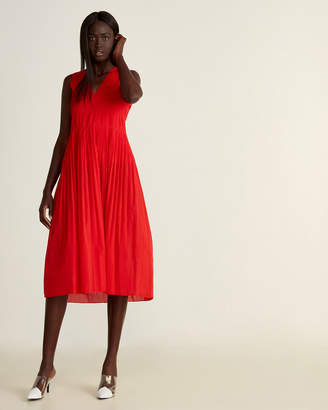 Alysi V-Neck Pleated Midi Dress
