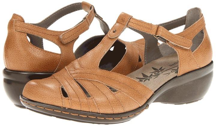Easy Spirit Prestah (Dark Taupe) - Footwear