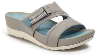 Bare Traps Avie Wedge Sandal