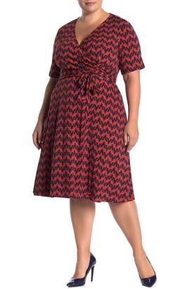 Donna Morgan Short Sleeve Pattern Print Dress (Plus Size)