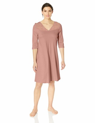 Hanro Women's Moments 3/4 Sleeve Gown